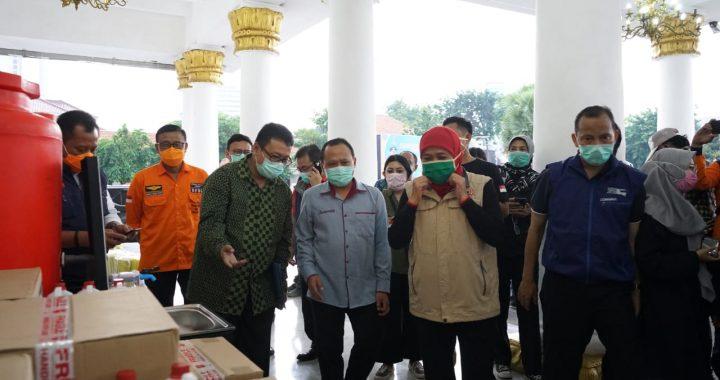 Yayasan Stapa Center Bantu APD Lengkap ke Pemprov Jatim
